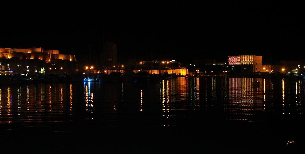 photoblog image Night Life in Marseille