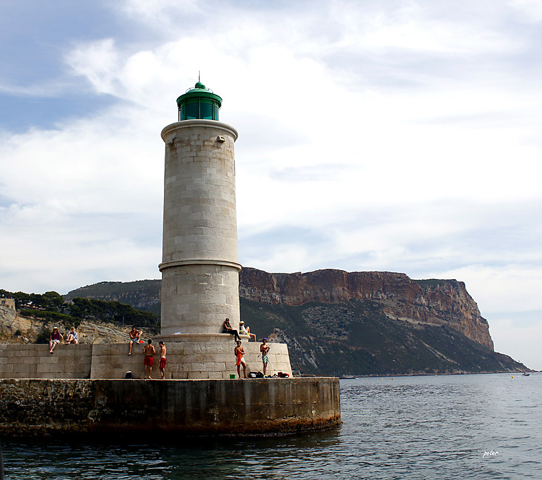 photoblog image The Lighthouse at the Port of Cassis