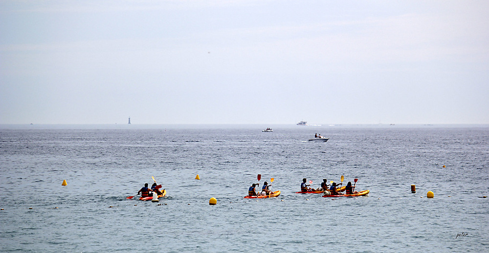 photoblog image Kayakers Heading Out to the Calanques From the Beach